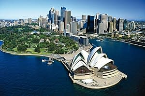 ladgsp-grand-tour-of-australia-singapore-pre-tour-stopover-2-566x376-300x199 Shipping Services to Australia from Singapore Movers and Packers